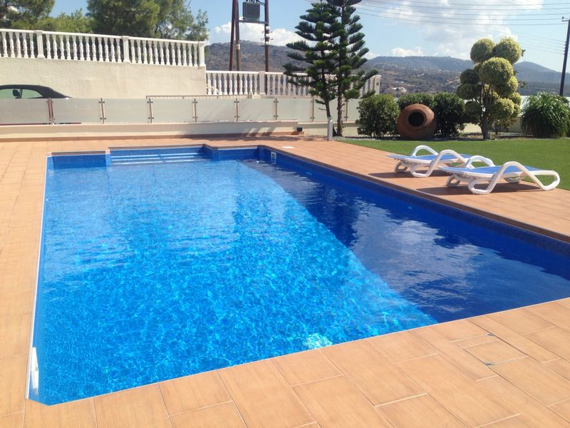 lámina armada pvc ELBER para renovación de piscinas